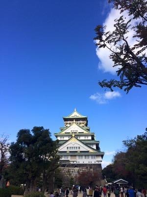 大阪城 犬の散歩